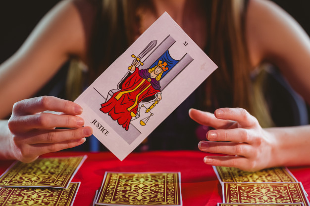 Reasons Tarot Card Reading Is A Waste Of Time